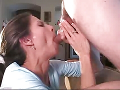 Milf Sucking And Drinking The Juice 2