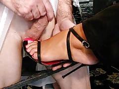 Cumming On Feet With High Heels