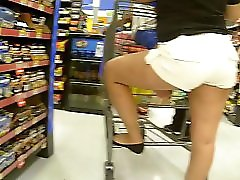 Young Mexican MILF Vpl In White Shorts