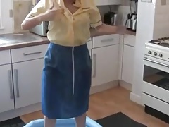 Air Hostess Sploshing