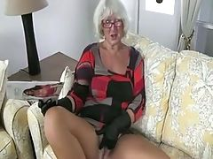 Granny Handjob #2 Pizza Boy Getting The Proper Payment