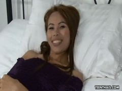 Seductive Thai Bringing That Cock To It&#039 S Finish