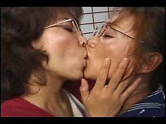 Kiss0085