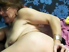 Sexy Granny Use Toy Anal