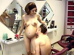 Die Hochschwangere Friseuse 01 Pregnant