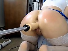 Girl Rides Her Fuck Machine Like A Champ