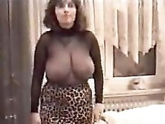 Auntie Look A Like Very Big Tits And Sexy Curvs