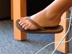 Candid Sexy Teen Legs Feet In College Library Faceshot