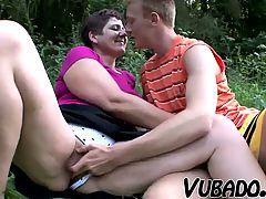 Milf And Teenager Enjoy Outdoor Sex !!