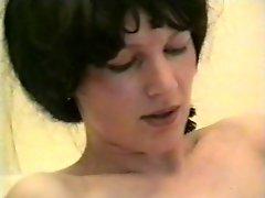 White Wig Frau Black Wig Frau